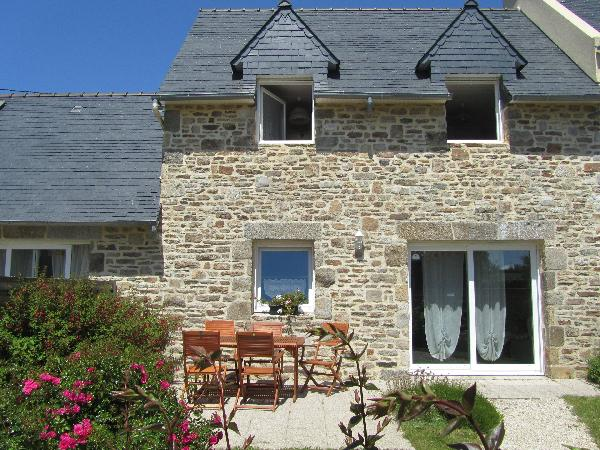 gîte1 : façade sud avec terrasse